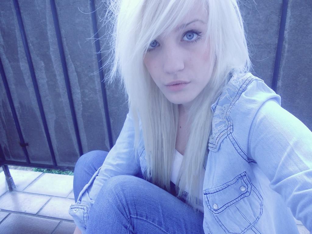 Leuke blonde meisjes willen vandaag nog sexdaten